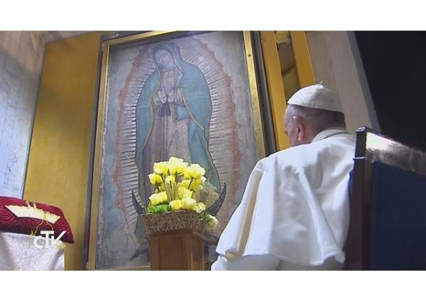 Pope Francis crowns the Most Holy Virgin of Guadalupe.